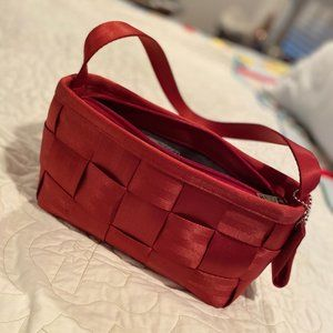 Red Original Harveys Seatbelt Bag